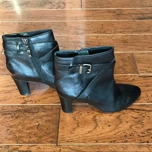 EUC JOHNSTON & MURPHY BOOTIES
